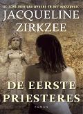 De eerste priesteres cover